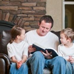 Att fostra barn i tron – mer än bara familjeandakter