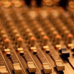 Hur man sammanviger bibel och sång i den kollektiva tillbedjan