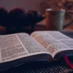 Hur kan jag växa i min förståelse av bibelteologi?