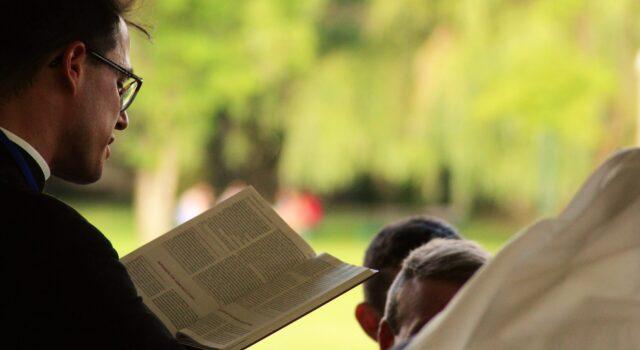 Hur fostrar man fram ledare i församlingen